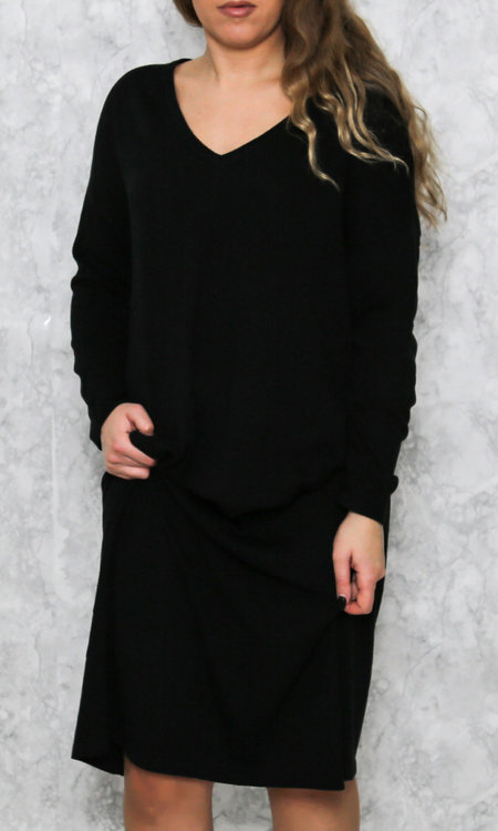 Maura dress black