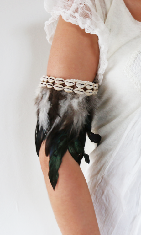 Bali feather bracelet större